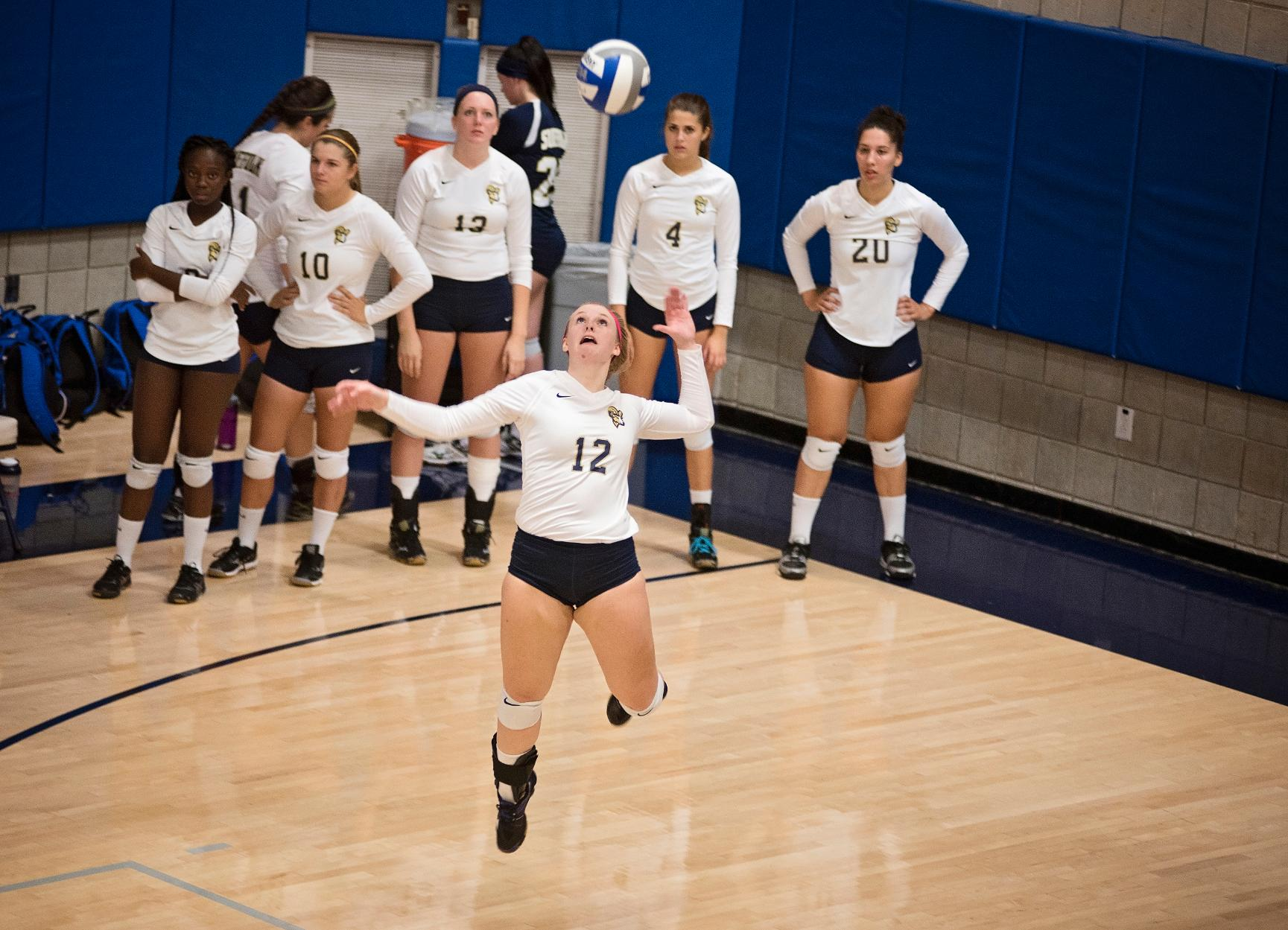Volleyball Rolls to Fourth Straight Win, Sweeps Eastern Nazarene