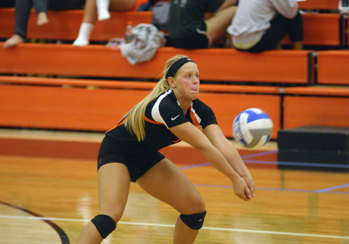 Oilers Volleyball Sweeps Lakers