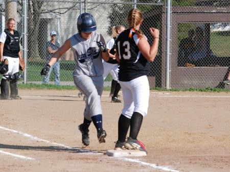 Softball Sweeps Valley Forge to Run Win Streak to Four
