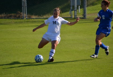 Reynolds, Rader Lead UMW Women's Soccer Past Marymount, 5-0
