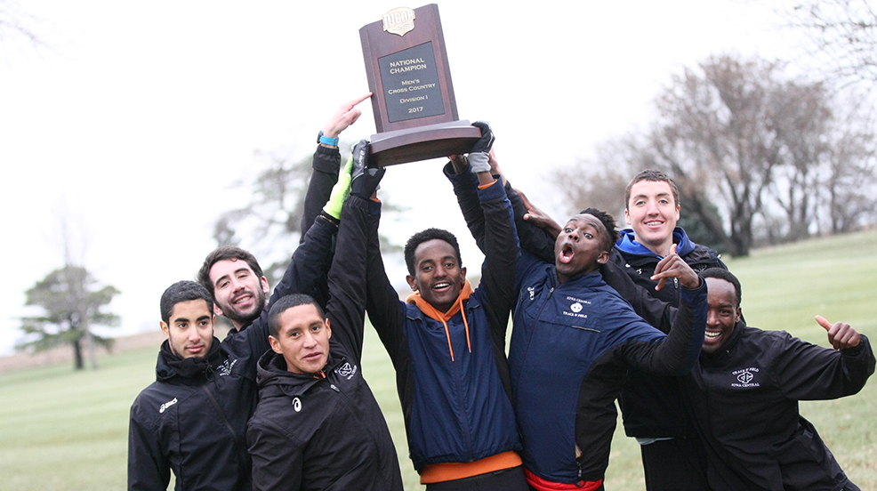 Iowa Central reclaims DI men's cross country title