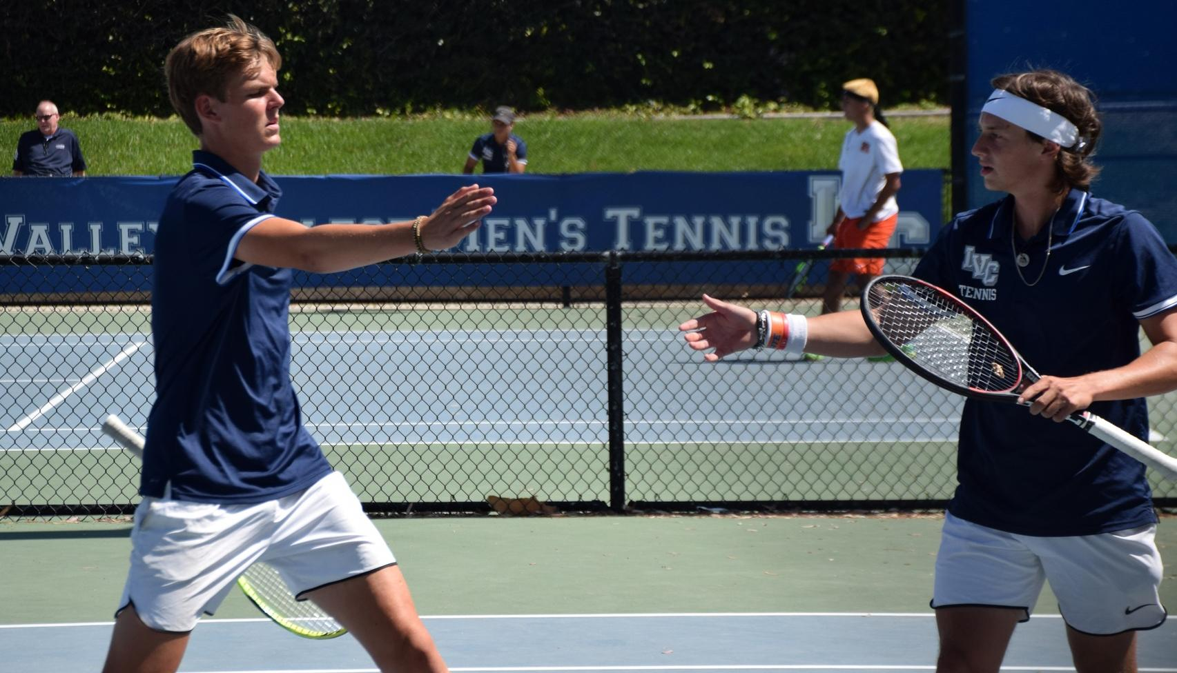 DeMulling and Politiek earn OEC co-doubles team of year honors