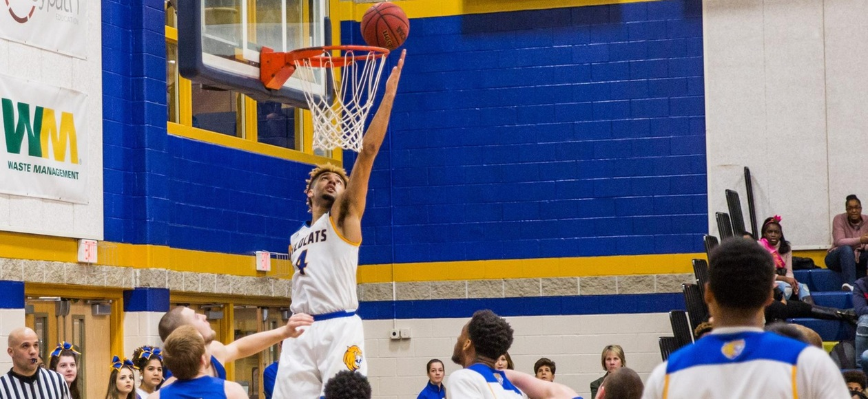 Men's Basketball Thumps Rivier 106-62