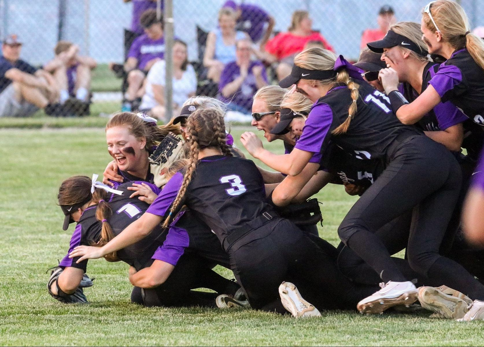 Softball Defeats #1 Decatur Central to Claim Regional Title
