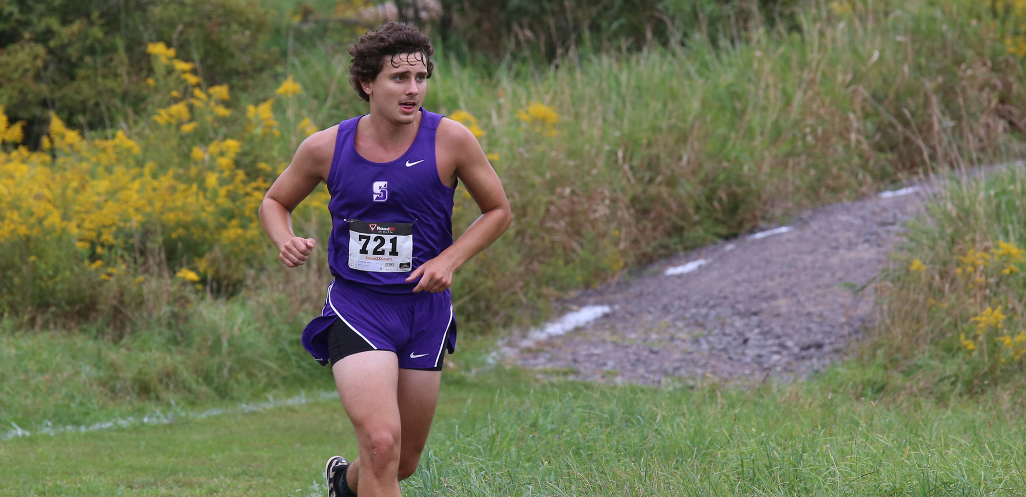 Senior Schuyler Smith finished sixth to lead the Royals at the Cougar Classic on Saturday.