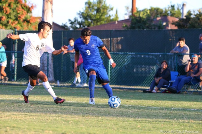 Kevin Diaz (9) scored the lone goal for the Falcons and had several other chances.