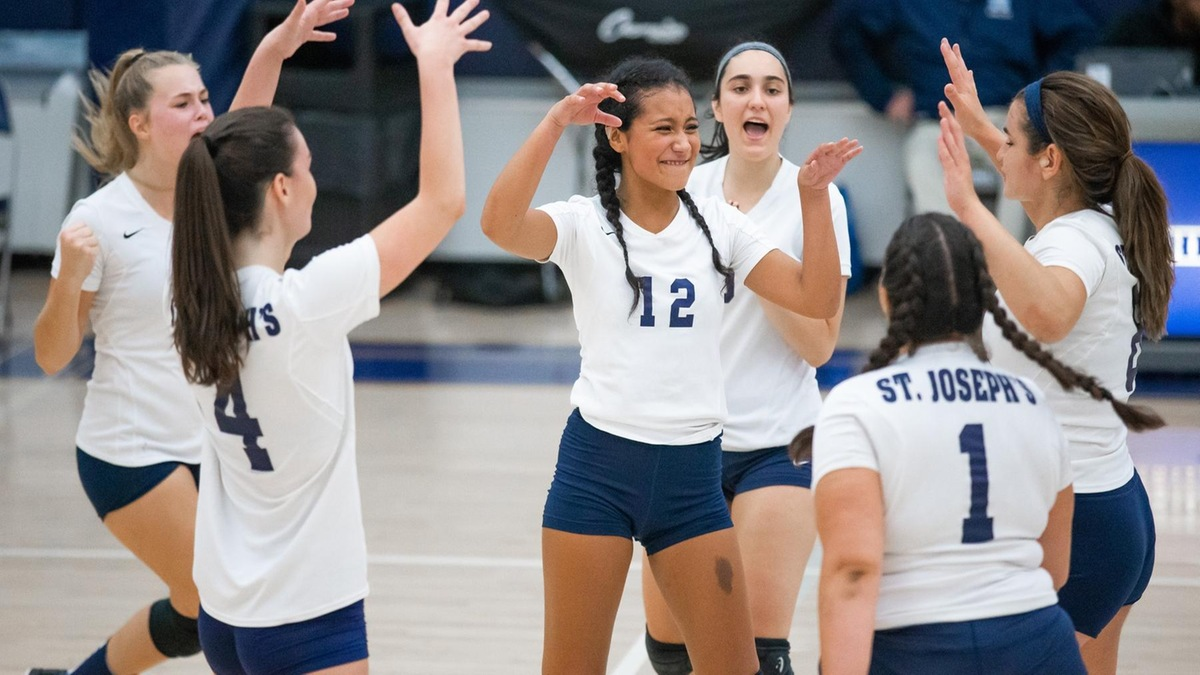 Women's Volleyball Outlasts Green Mountain College to Sweep Tri-Match in Vermont