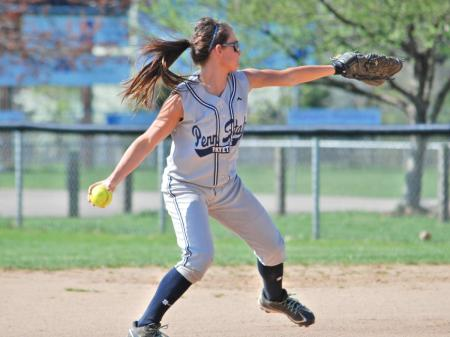 Softball Blanks Schuylkill Twice in Doubleheader Sweep