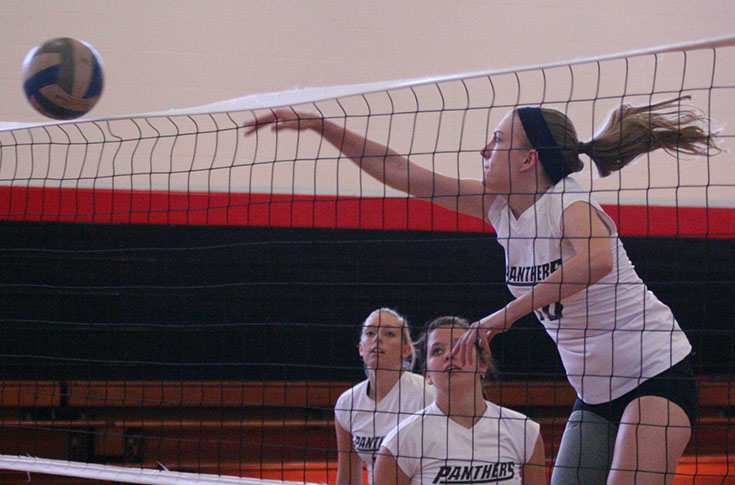 Volleyball: Panthers go unbeaten at Selma Classic with three straight wins
