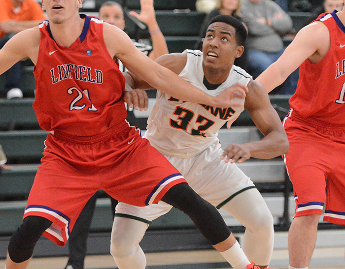 Men's Basketball falls to Linfield