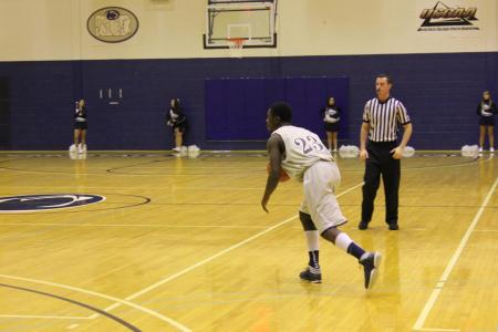 Men's Basketball Earns Second PSUAC Win On 1-1 Weekend