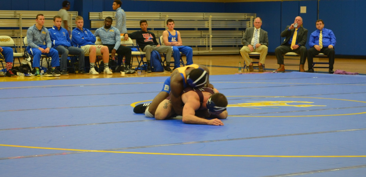 Photo for Wrestling Rolls Up Wins