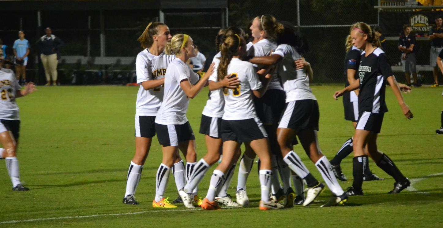 Nanov's Two Scores Guide Women's Soccer to Come-From-Behind Victory Versus Loyola, 3-2