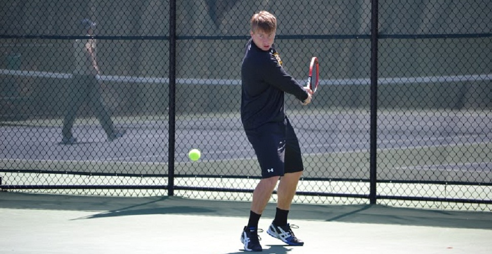 Juniors Carry The Day as Men's Tennis Sinks Navy, 5-2