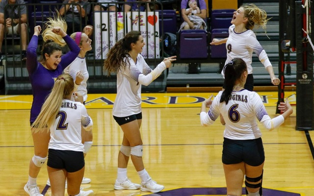 Senior Day Sweep for the Cowgirls Over Howard Payne