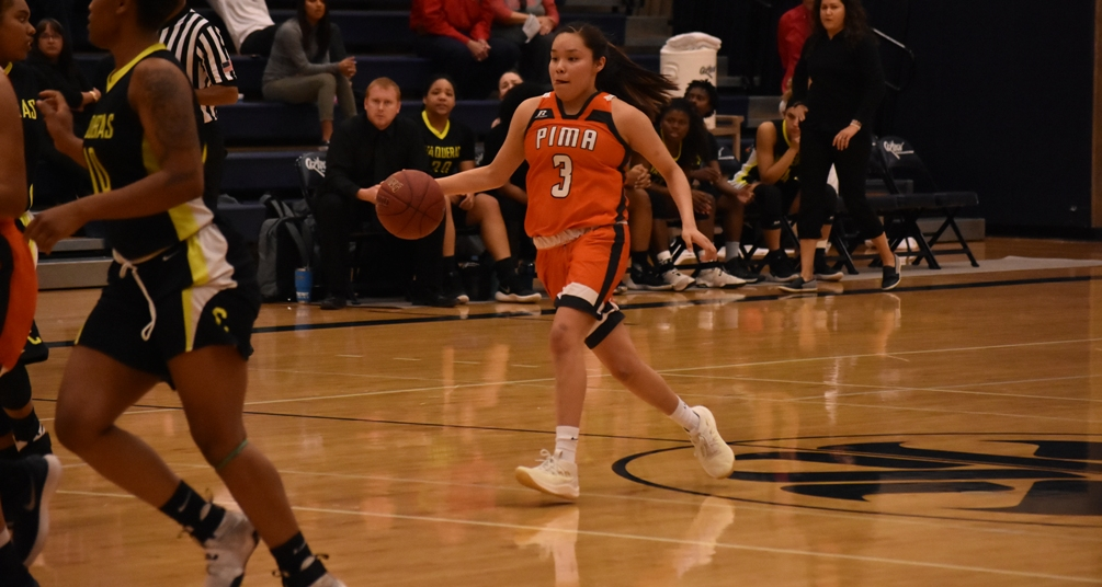 Freshman Jacqulynn Nakai (Coconino HS) scored a game-high 34 points to go along with six rebounds and seven assists as the No. 8 ranked Aztecs beat Phoenix College 92-55 on Saturday at the West Campus Gym. The Aztecs are 21-6 overall and 15-4 in ACCAC conference play. Photo by Ben Carbajal.
