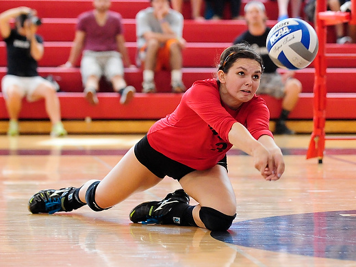 Volleyball edged by Susquehanna on final day of Haverford Invitational