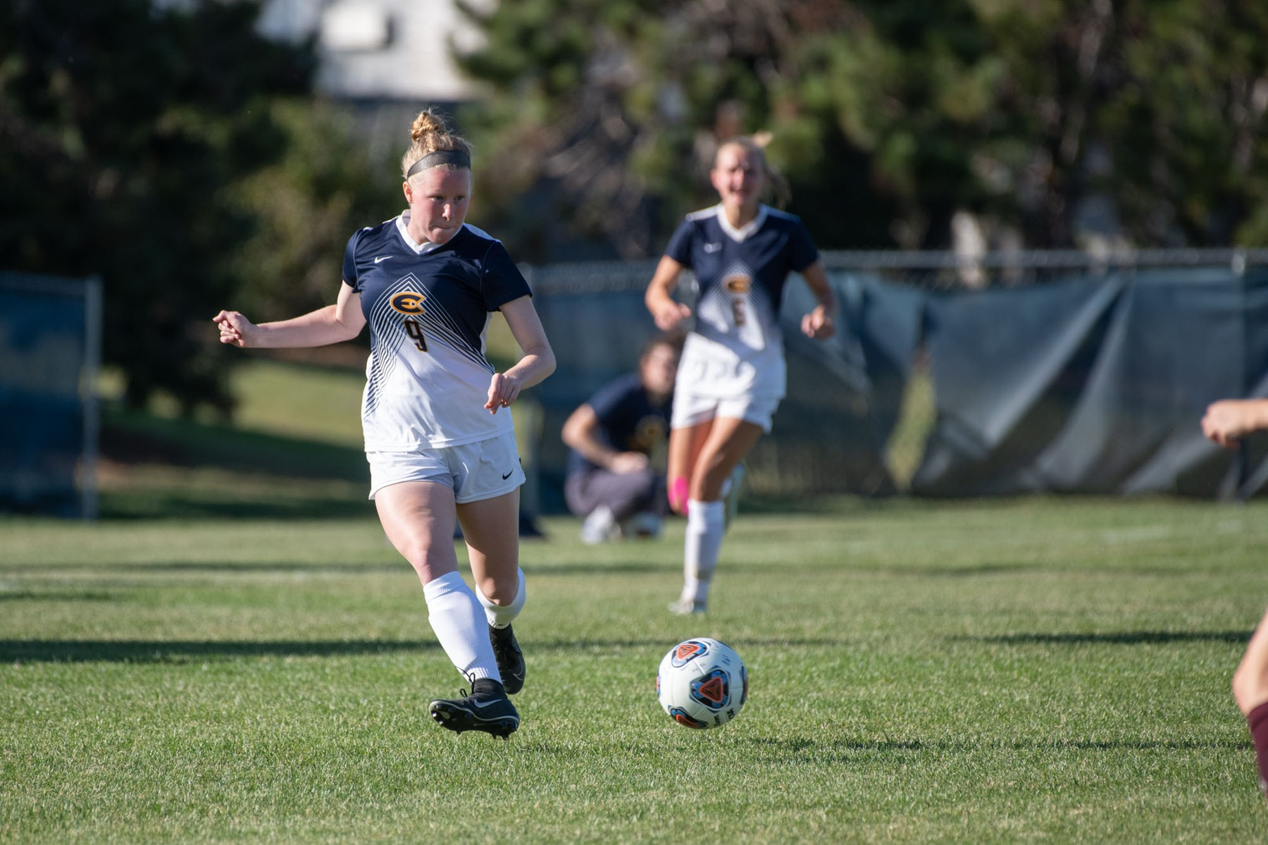 Women's Soccer defeats Whitewater, 2-1