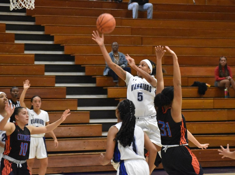 Four Players Tally Double Figures as Women's Basketball Tops Citrus