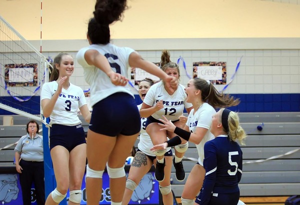 Volleyball Rallies to Beat Bryant & Stratton