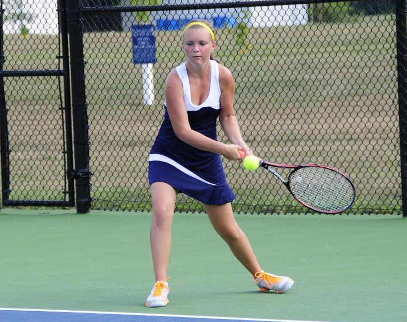 Women's Tennis Edges Saint Joseph 5-4