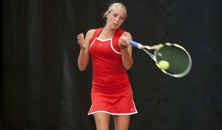 Early Lead Helps Panthers Top Bulldogs In Women's Tennis Action