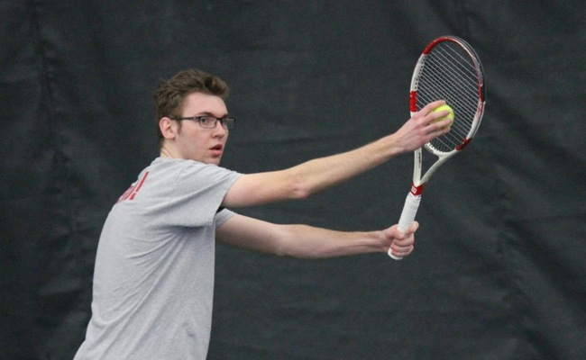 Men's Tennis Splits Last Two Non-Conference Matches