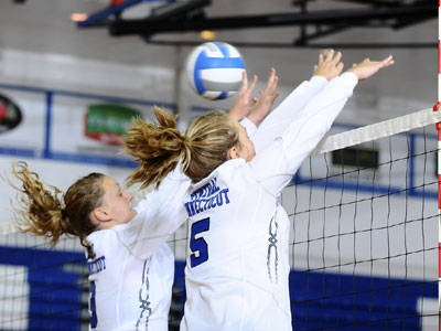 Blue Devil Volleyball Drops Three Set Match at Sacred Heart on Sunday
