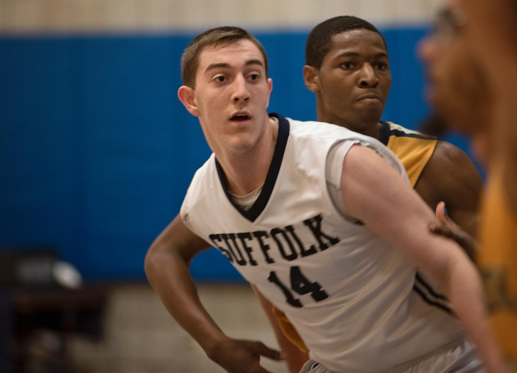 Men's Basketball Entertains Lasell Thursday