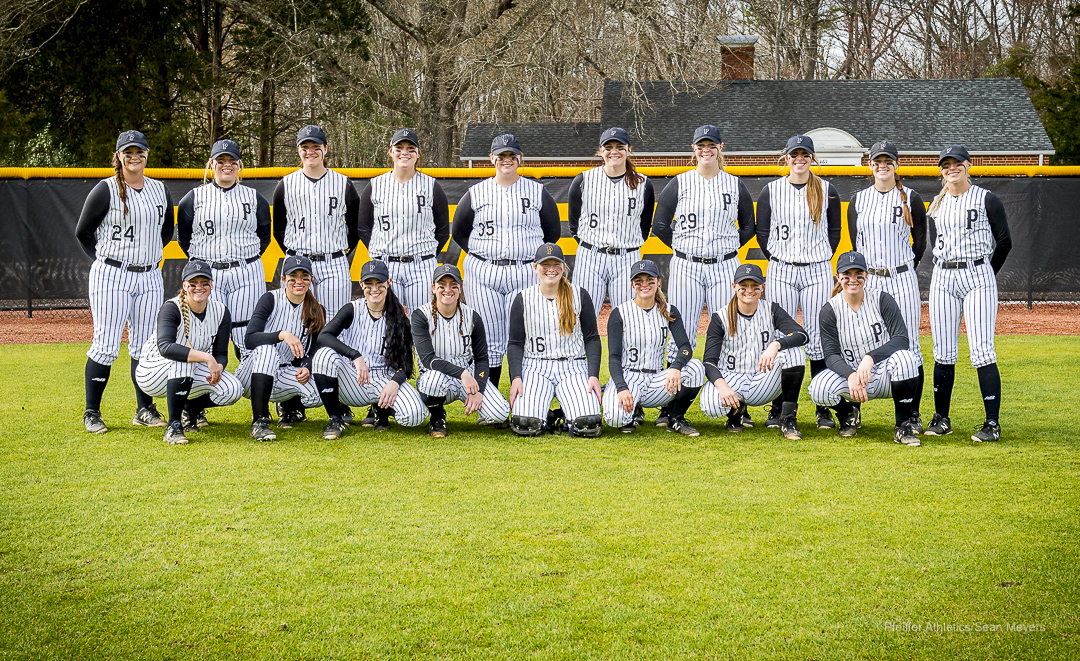Pfeiffer Softball Splits Doubleheader at Ferrum