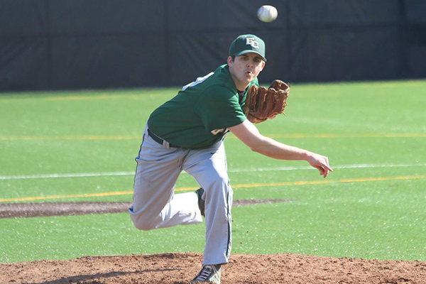 Baseball Completes Series Sweep at Southern Vermont