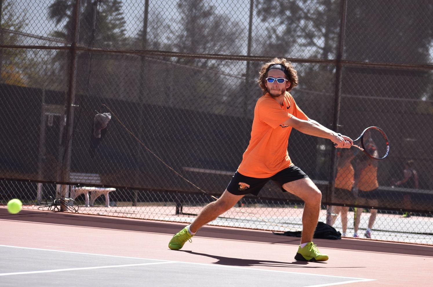 Valencic's Upset Leads Men's Tennis at The Ojai, Day 1
