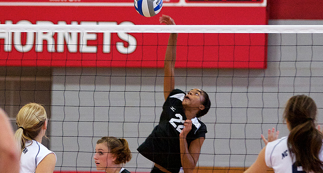 Hornet Volleyball Takes Match at Hollins in Four