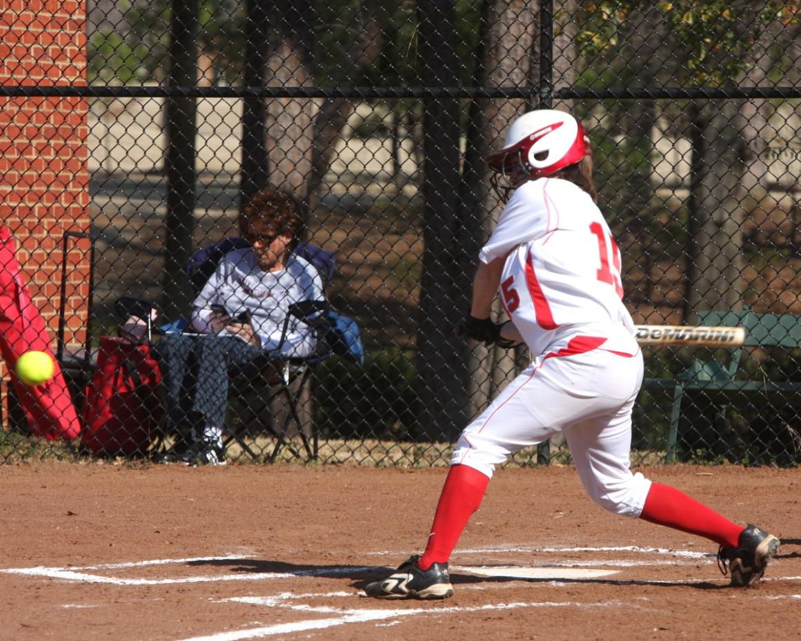 Huntingdon softball splits on Day 1 of Roanoke Valley Softball Bash