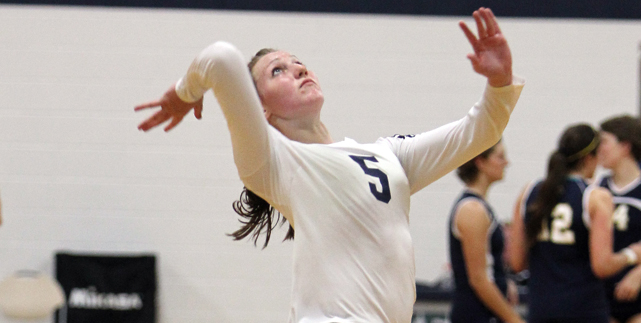 Dolan Leads Gulls in 5 Set Loss to Owls