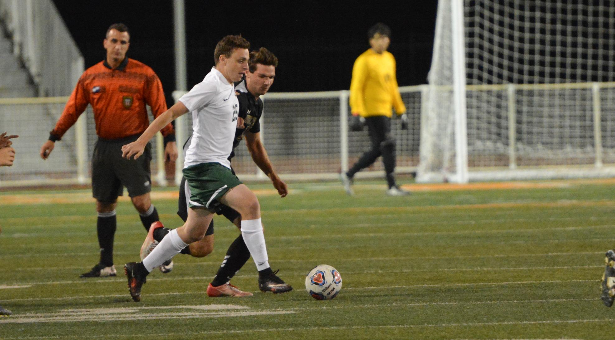 Rodriguez, Wong lift Men's Soccer past UCSC, 2-1