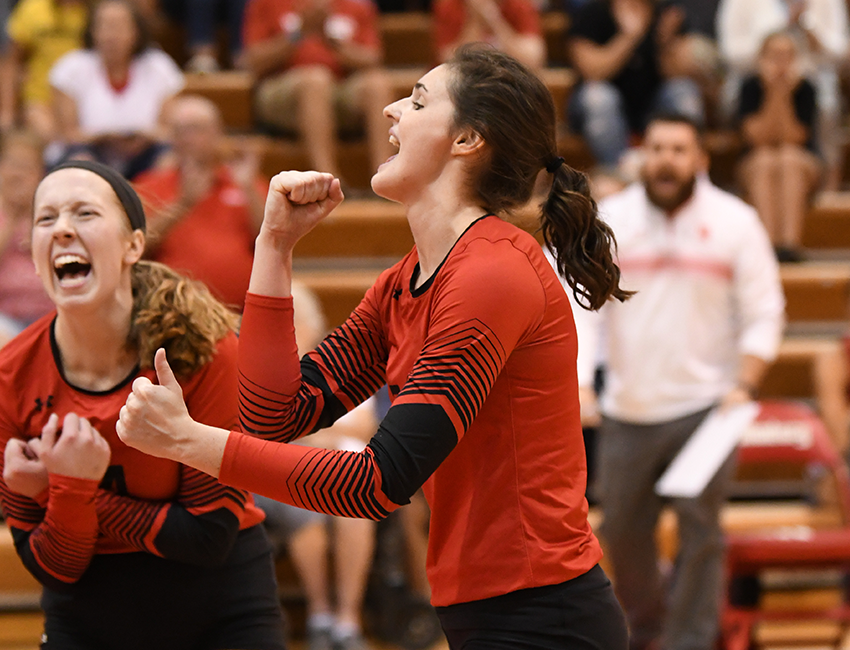 No. 3 Wittenberg Volleyball Takes Down DePauw In Straight Sets