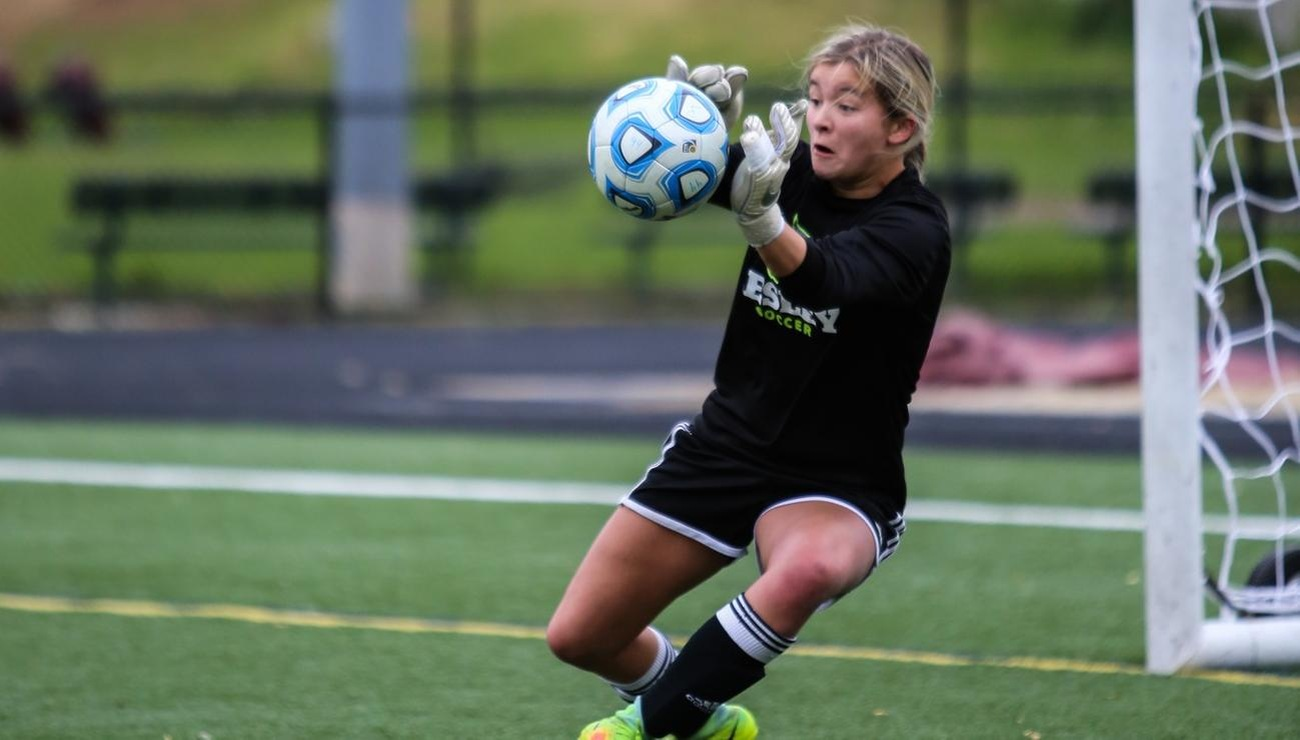 Lynx Grab Three Goals in Opening Victory Over Wentworth