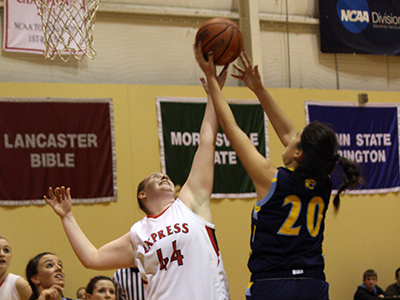 Women's Basketball Dropped By Hamilton, 79-35