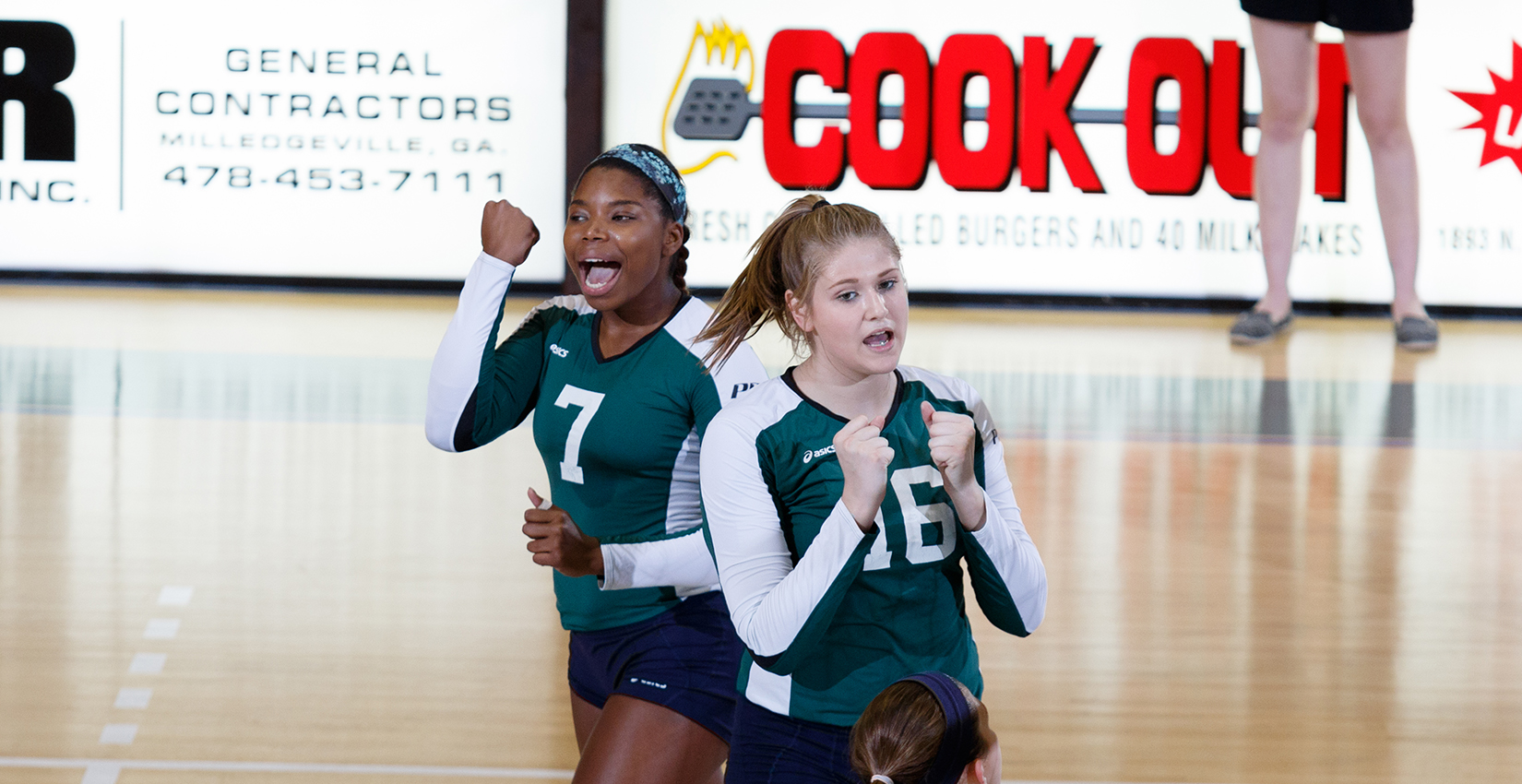 Bobcat Volleyball Splits Day One Action in Greenville