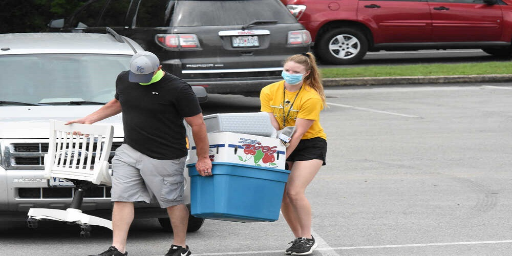 Some TRC freshmen set eyes on college during move in day
