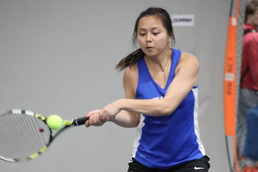 Sojin Ki defeated Madison Rosen, 6-0, 6-1 at No. 5 singles. (Miranda Yang)