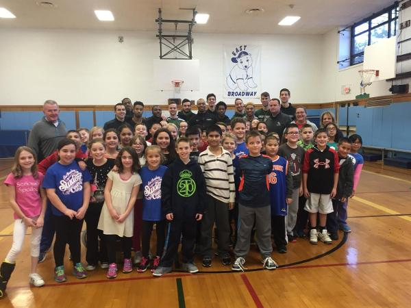 Men's Basketball Gives Back in Levittown School District