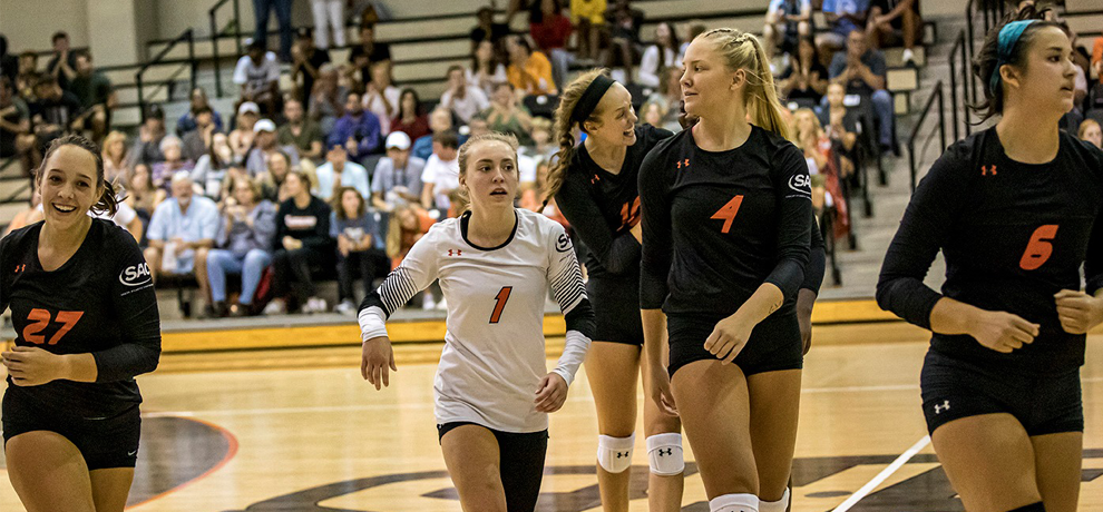 Women's Volleyball Continues Tennessee Stay