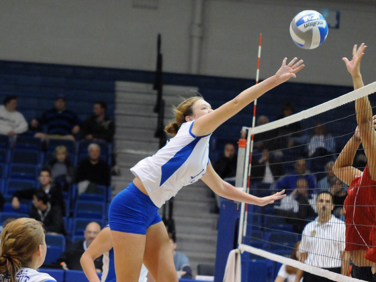 Snyder's 10 Kills Leads Blue Devils in Loss at Robert Morris