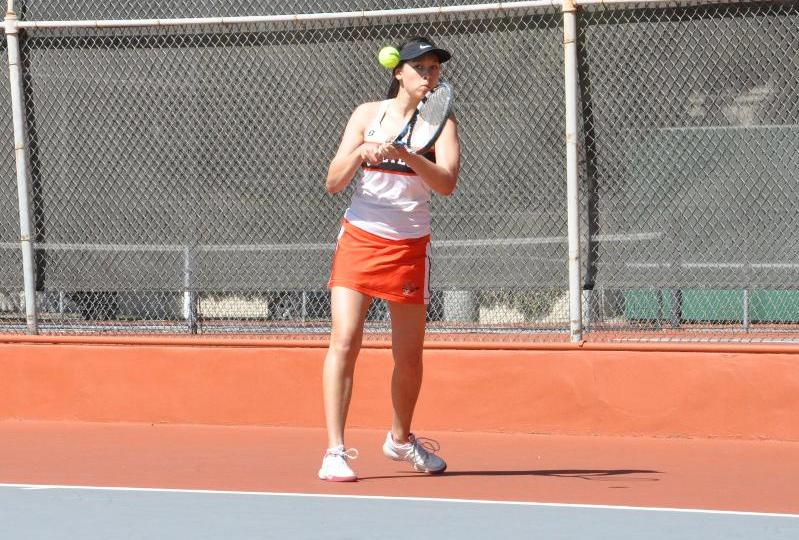 Morton, Wang Carry Women's Tennis to Victory Over West Region No. 19 Pacific