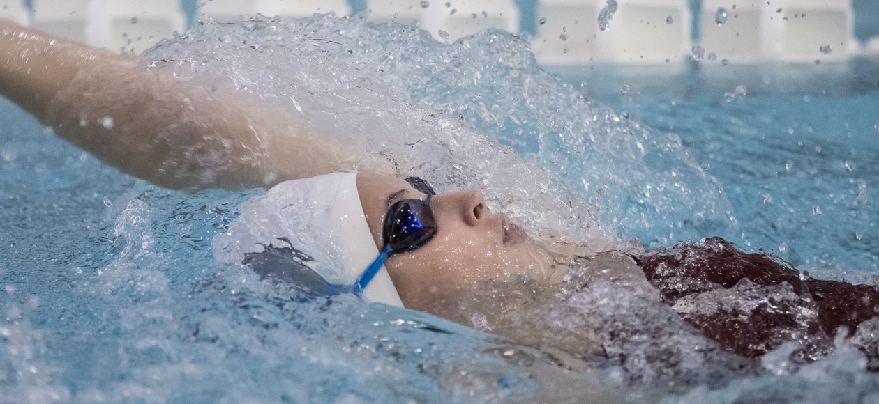 MIT Bests Women's Swimming and Diving