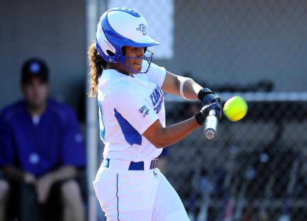 Softball Falls to Monmouth, 11-6