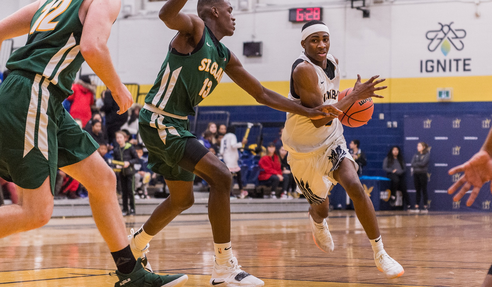 BALANCED ATTACK LEADS No. 3 MEN'S BASKETBALL PAST ST. CLAIR, 100-71