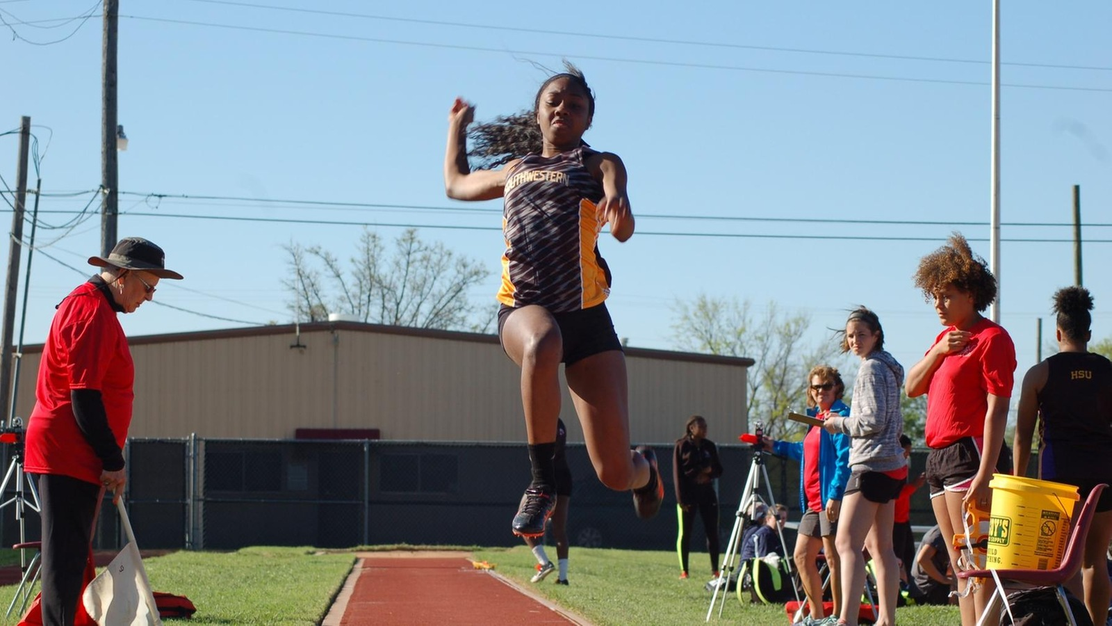 Women's track & field takes sixth at War Hawk Classic